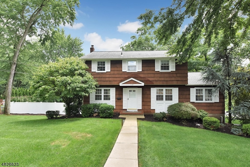 Single Family Home for Sale at 115 FIELDSTONE PL 115 FIELDSTONE PL Wayne, New Jersey 07470 United States