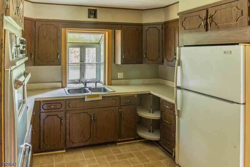 Additional photo for property listing at 6 LEWMAY Drive  Andover, New Jersey 07860 Stati Uniti