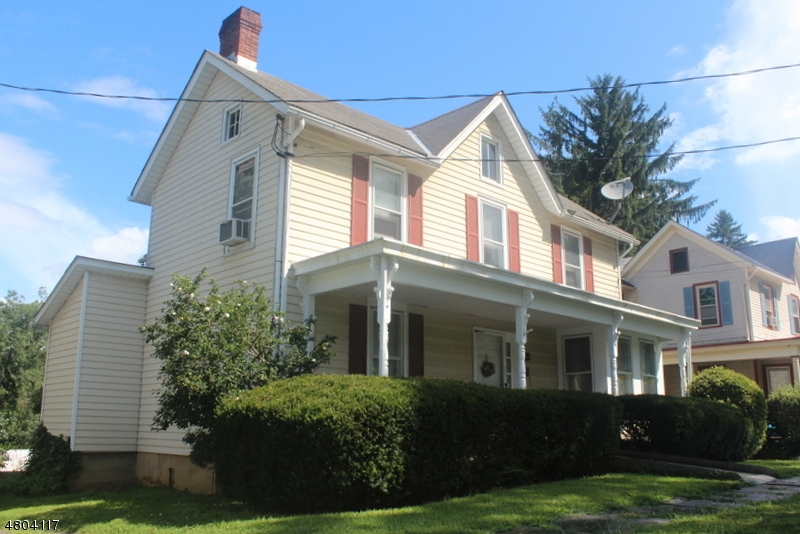 Single Family Home for Sale at 72 Brunswick Avenue Bloomsbury, New Jersey 08804 United States