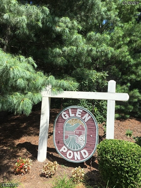 Condo / Townhouse for Sale at 37 MILL POND Road Woodland Park, New Jersey 07424 United States