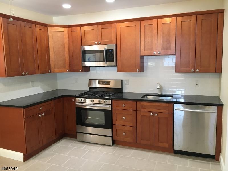 Maison unifamiliale pour l à louer à 63 RIVER Road Summit, New Jersey 07901 États-Unis