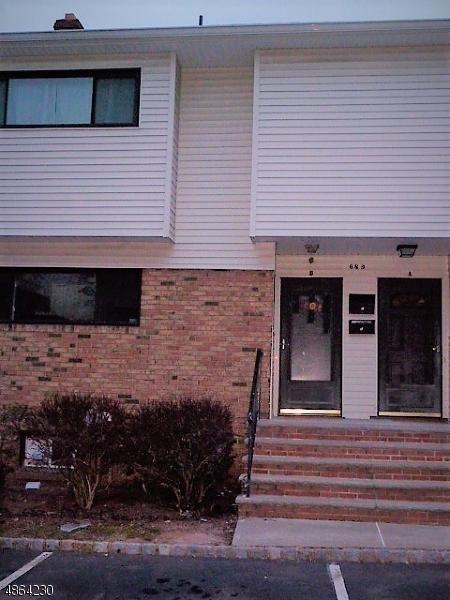 Condo / Townhouse pour l à louer à 689 DOVER Court Hillsborough, New Jersey 08844 États-Unis