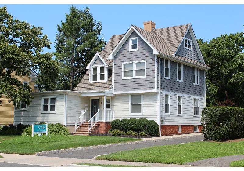Commercial pour l Vente à 134 W End Avenue Somerville, New Jersey 08876 États-Unis