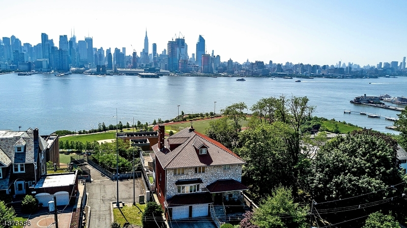 Single Family Home for Sale at 53 KINGSWOOD RD Weehawken, New Jersey 07086 United States