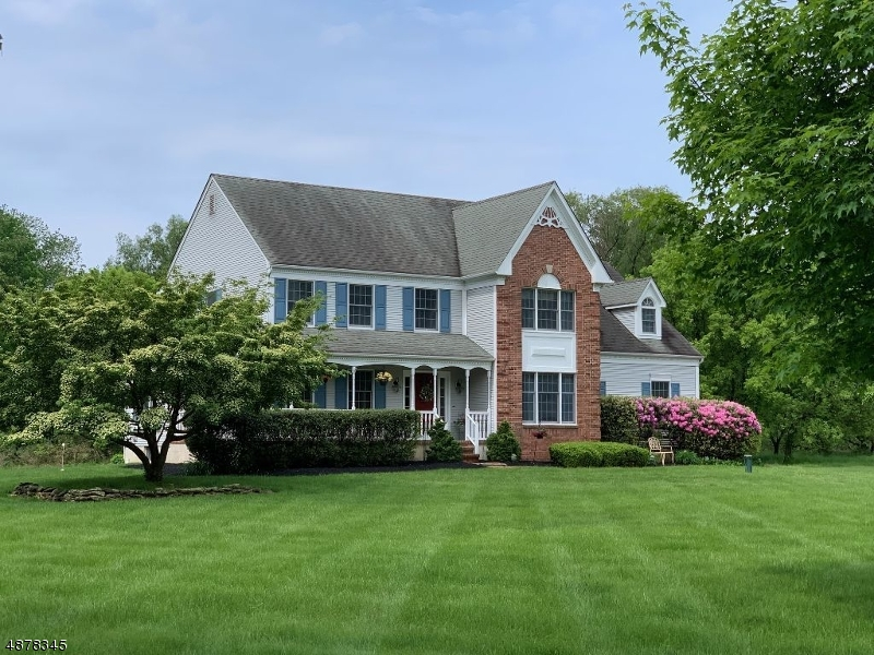 Single Family Homes für Verkauf beim Union, New Jersey 08827 Vereinigte Staaten