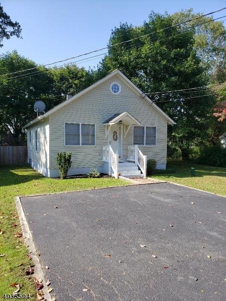 Single Family Homes para Venda às Oxford, Nova Jersey 07863 Estados Unidos