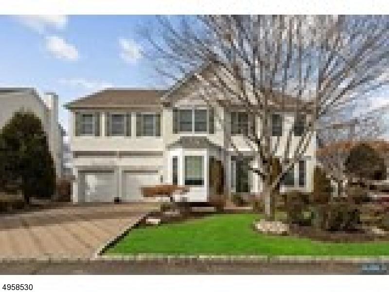 Single Family Homes для того Продажа на Totowa, Нью-Джерси 07512 Соединенные Штаты