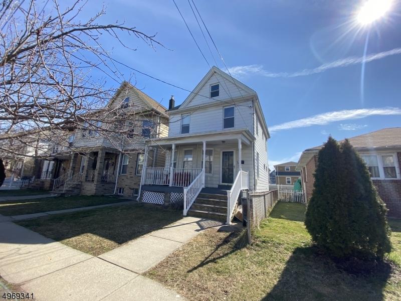 Single Family Homes vì Bán tại Kearny, New Jersey 07032 Hoa Kỳ