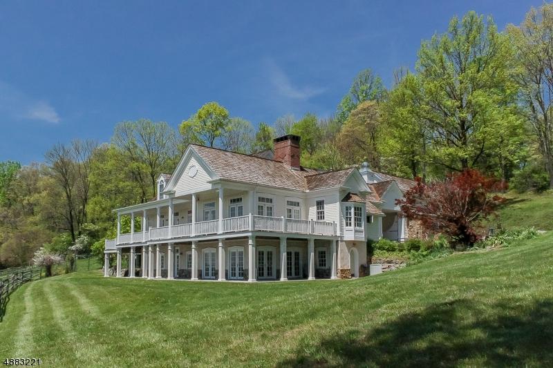 Single Family Homes für Verkauf beim Tewksbury Township, New Jersey 07830 Vereinigte Staaten