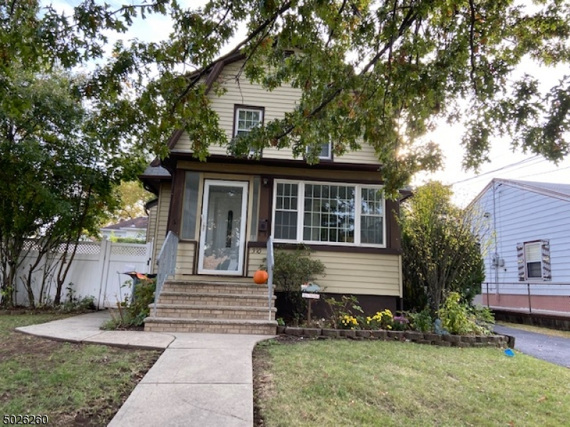 Single Family Homes για την Πώληση στο Hasbrouck Heights, Νιου Τζερσεϋ 07604 Ηνωμένες Πολιτείες