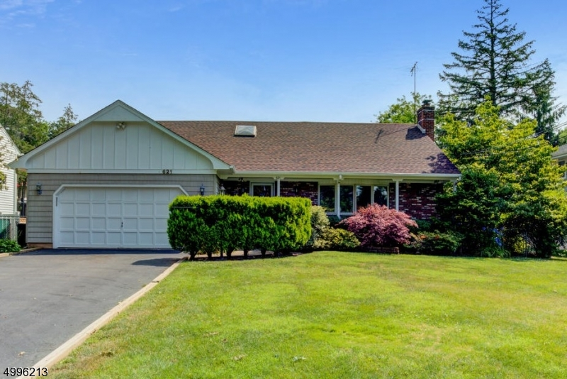 Single Family Homes vì Bán tại Address Not Available Cranford, New Jersey 07016 Hoa Kỳ