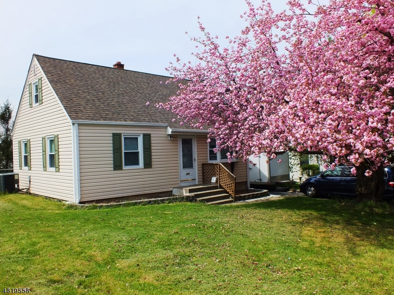 Additional photo for property listing at 130 Elmhurst Drive  Phillipsburg, Нью-Джерси 08865 Соединенные Штаты