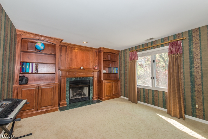 Additional photo for property listing at 46 Canterbury Road  Denville, New Jersey 07834 États-Unis