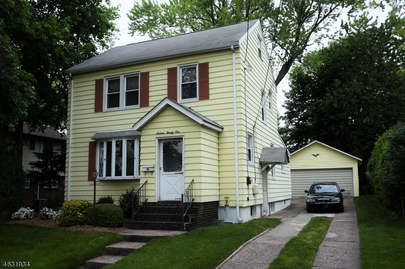 Casa Unifamiliar por un Venta en 16-21 11th Fair Lawn, Nueva Jersey 07410 Estados Unidos