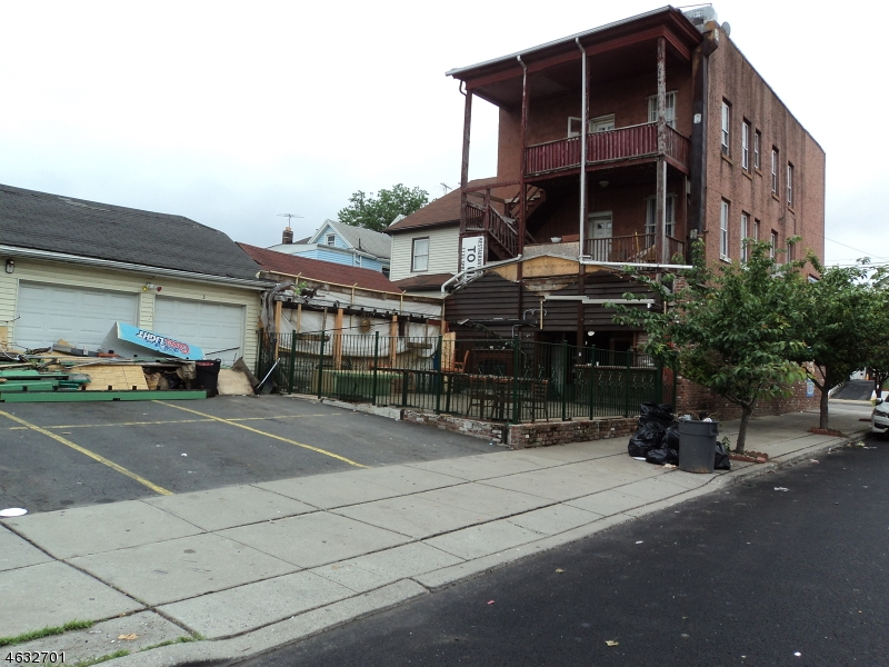 Additional photo for property listing at 515 Jackson Avenue  Elizabeth, Нью-Джерси 07201 Соединенные Штаты