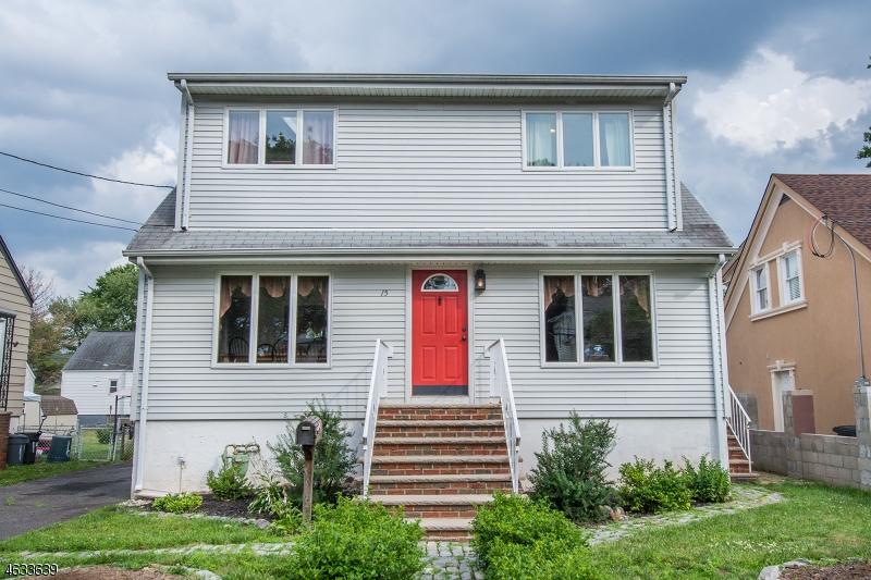 Casa Unifamiliar por un Venta en 15 Beech Street Little Ferry, Nueva Jersey 07643 Estados Unidos