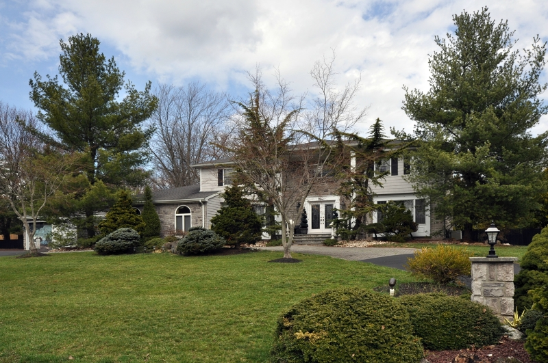 Casa Unifamiliar por un Venta en 9 Clinton Lane Scotch Plains, Nueva Jersey 07076 Estados Unidos