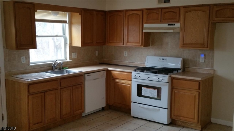 Additional photo for property listing at 373 S 7th Street  Newark, New Jersey 07103 États-Unis