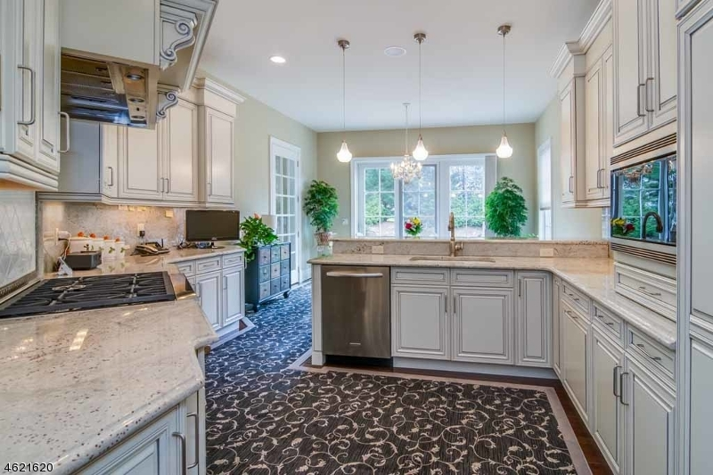 Additional photo for property listing at 40 Boxwood Lane  Montvale, New Jersey 07645 United States