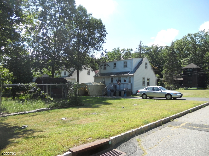 Additional photo for property listing at 102 N Belair Avenue  Cedar Knolls, New Jersey 07927 United States