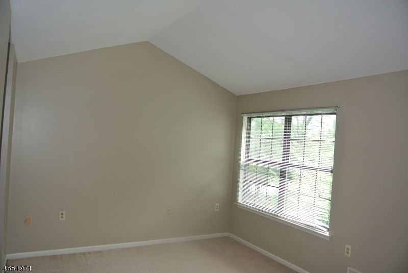 Additional photo for property listing at 86 Wood Duck Court  Hackettstown, New Jersey 07840 United States