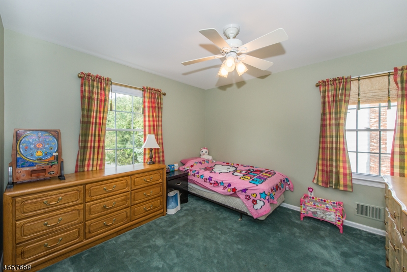 Additional photo for property listing at 6 Bayberry Lane  Randolph, Nueva Jersey 07869 Estados Unidos