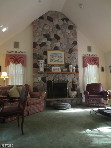 Additional photo for property listing at 4 Glenview Lane  Sussex, New Jersey 07461 United States