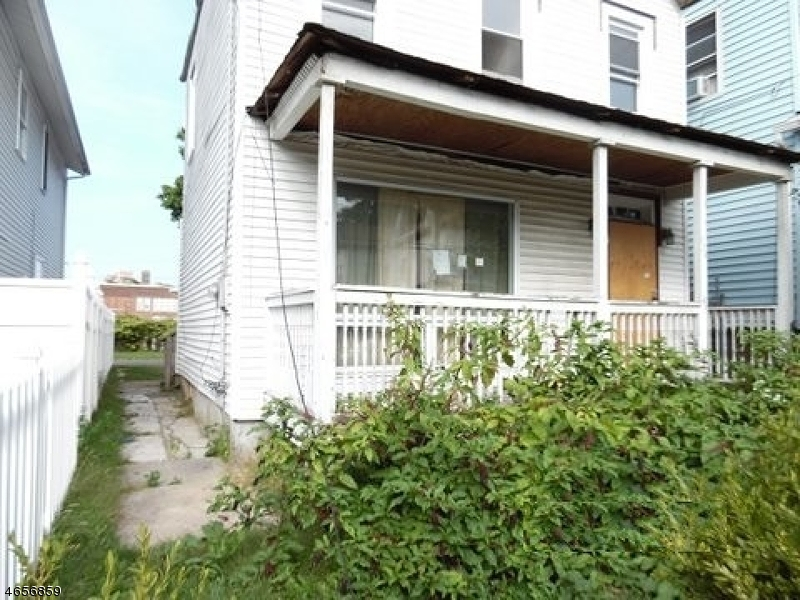Single Family Home for Sale at 124 Catherine Street Elizabeth, New Jersey 07201 United States