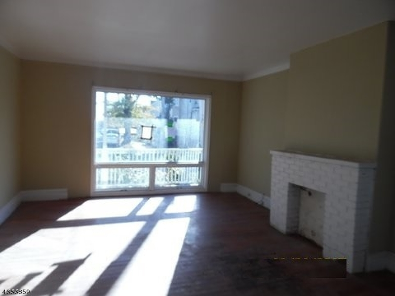 Additional photo for property listing at 124 Catherine Street  Elizabeth, New Jersey 07201 United States