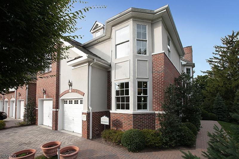 Casa Unifamiliar por un Venta en 3 Cedar Gate Court Livingston, Nueva Jersey 07039 Estados Unidos