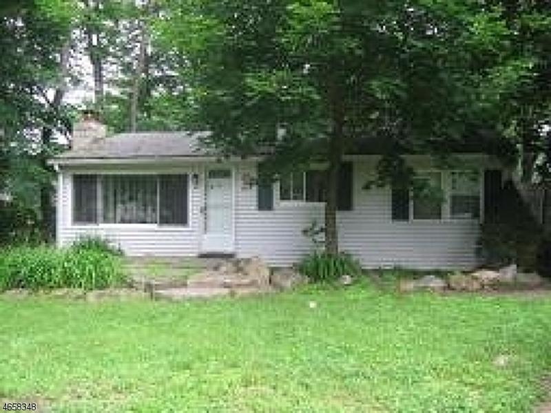 Casa Unifamiliar por un Alquiler en 23 Maple Avenue Stockholm, Nueva Jersey 07460 Estados Unidos