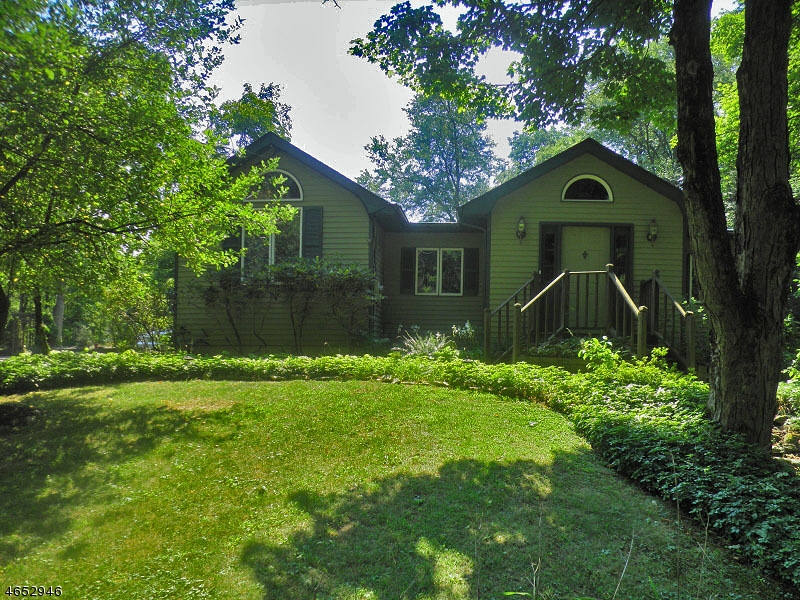 Additional photo for property listing at 421 Little Brook Road  Lebanon, Nueva Jersey 08826 Estados Unidos