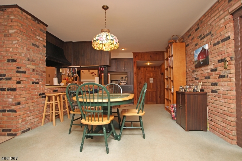 Additional photo for property listing at 417 County Road 513  Califon, Нью-Джерси 07830 Соединенные Штаты