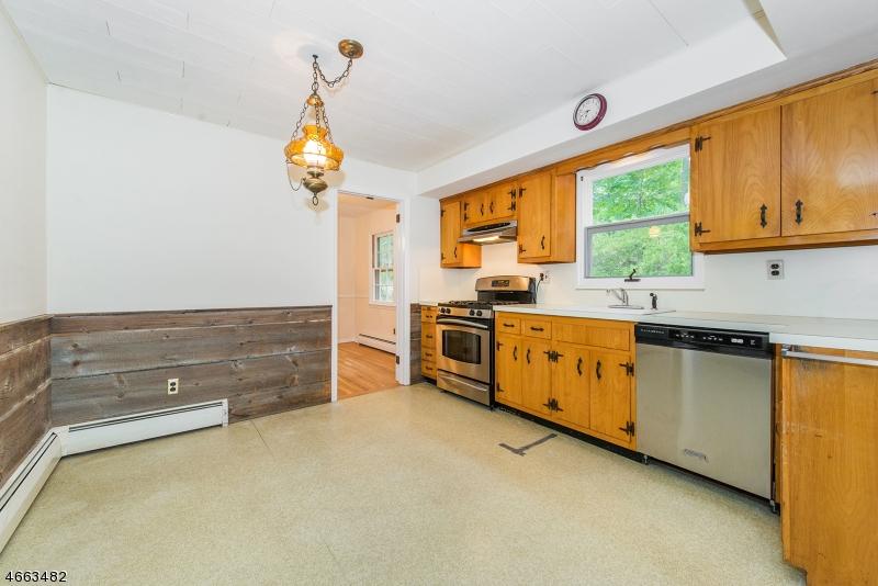 Additional photo for property listing at 47 Hickory Drive  Oakland, Nueva Jersey 07436 Estados Unidos