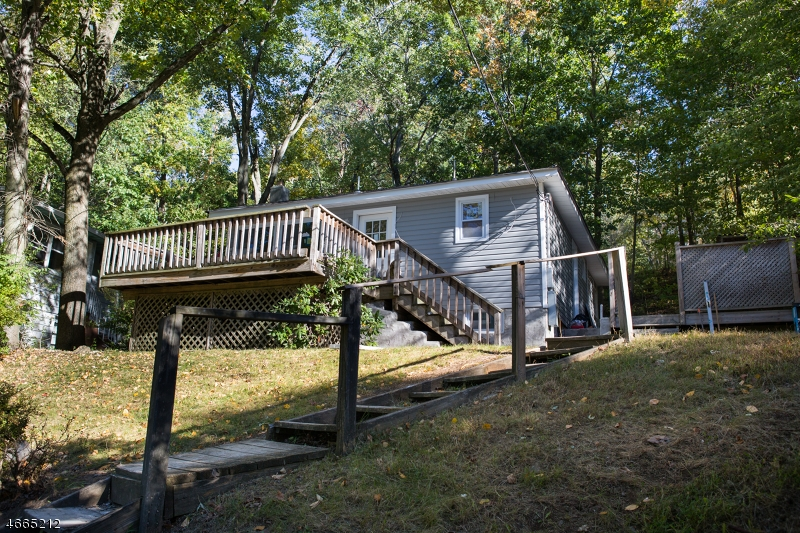 Additional photo for property listing at 11 Bell Court  Landing, New Jersey 07850 United States