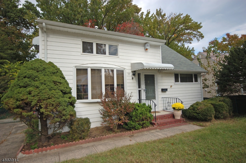 Additional photo for property listing at 53 Independence Drive  Roselle, Нью-Джерси 07203 Соединенные Штаты