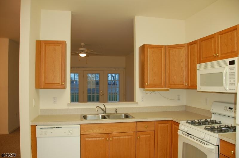 Casa Unifamiliar por un Alquiler en 5008 Brookfield Glen Drive Belvidere, Nueva Jersey 07823 Estados Unidos