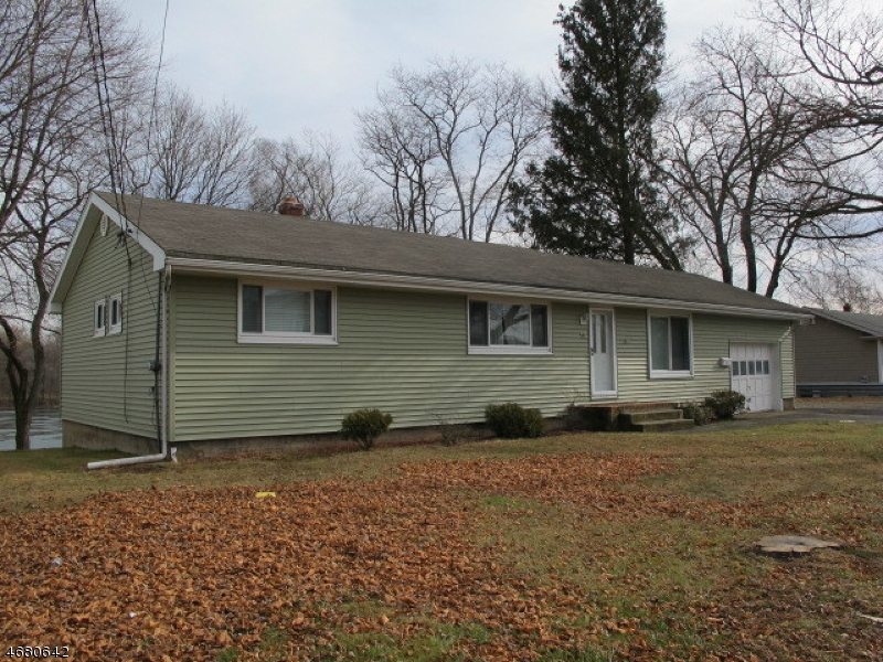 Single Family Home for Sale at 10 Lincoln Park Road Pequannock, 07440 United States