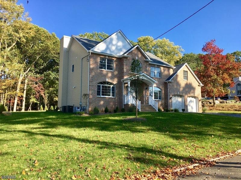Частный односемейный дом для того Продажа на 356 Top Avenue Dunellen, Нью-Джерси 08812 Соединенные Штаты