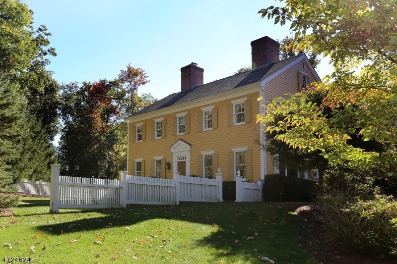獨棟家庭住宅 為 出售 在 7 Red Oak Row Chester, 新澤西州 07930 美國
