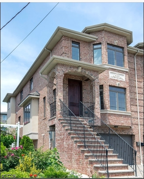 Single Family Home for Sale at 229A GLEN Avenue Palisades Park, New Jersey 07650 United States