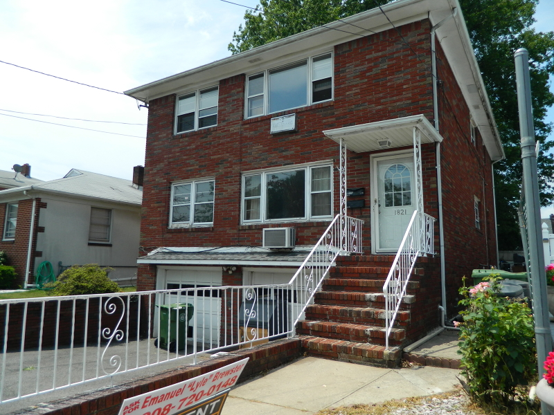 Single Family Home for Rent at 1821 E Elizabeth Avenue Linden, New Jersey 07036 United States
