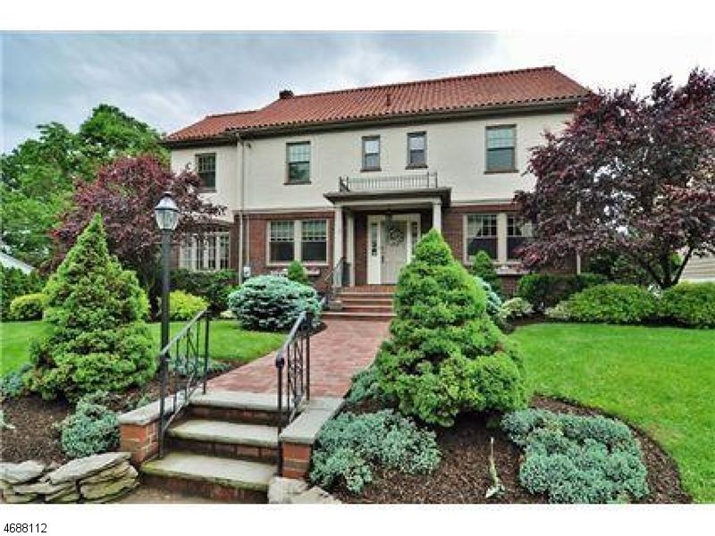 Частный односемейный дом для того Аренда на 22 Serafin Place Glen Rock, Нью-Джерси 07452 Соединенные Штаты