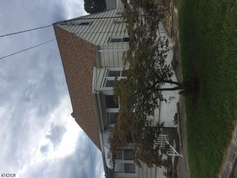 Maison unifamiliale pour l Vente à 19 Rose Ter Hazlet, New Jersey 07734 États-Unis