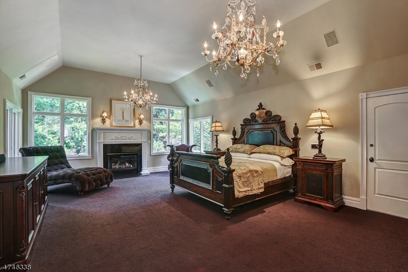 Additional photo for property listing at 10 STRATFORD COURT 10 STRATFORD COURT Warren, New Jersey 07059 United States