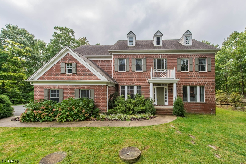 Maison unifamiliale pour l Vente à 73 Harrison Mount Lake Road Ringwood, New Jersey 07456 États-Unis