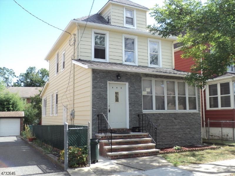 一戸建て のために 売買 アット 227 Clinton Avenue 227 Clinton Avenue Clifton, ニュージャージー 07011 アメリカ合衆国