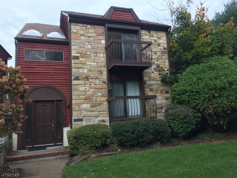 Maison unifamiliale pour l à louer à 48 Kensington Court Washington, New Jersey 07840 États-Unis