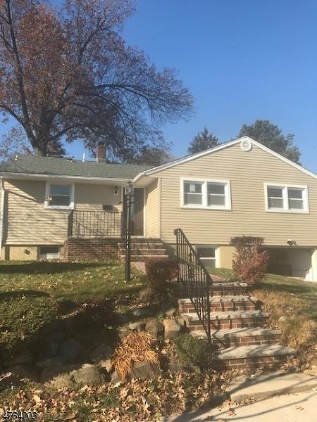 Maison unifamiliale pour l Vente à 107 Jefferson Street Wood Ridge, New Jersey 07075 États-Unis