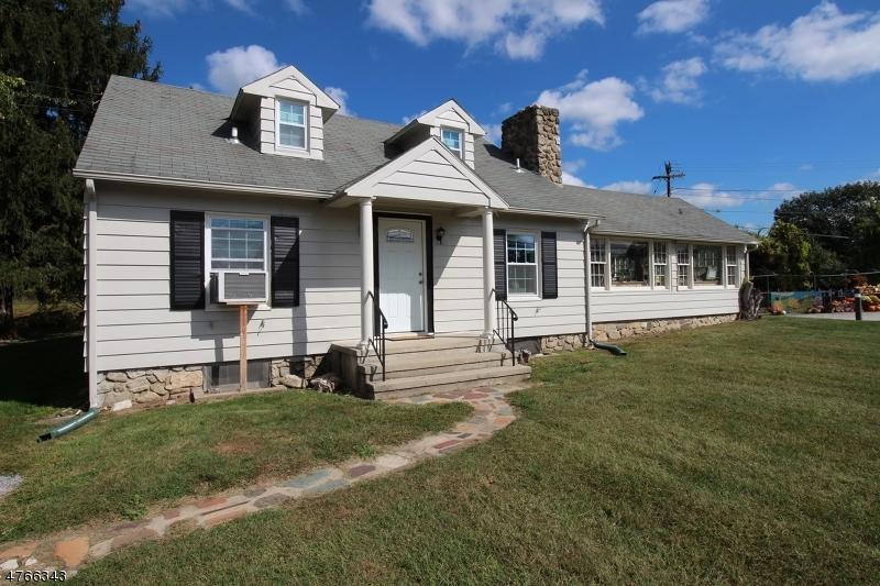 Casa Unifamiliar por un Alquiler en 209 Newton Sparta Road Andover, Nueva Jersey 07860 Estados Unidos